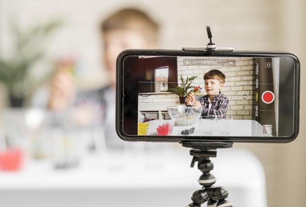 Niños adictos al móvil » Psicólogo Malgrat CÁRABO psicologia